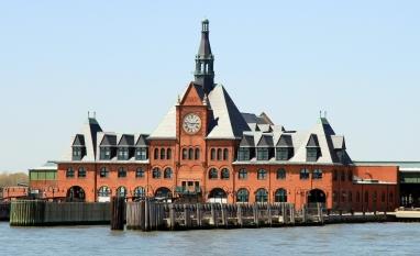 USA-NYC-Jersey_Historic_Train_Station_crop